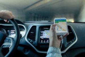 смартфон и локационни данни